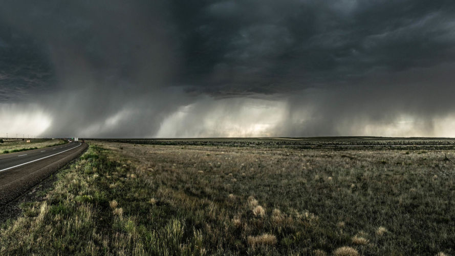 Severe thunderstorm drenches the desert in New Mexico